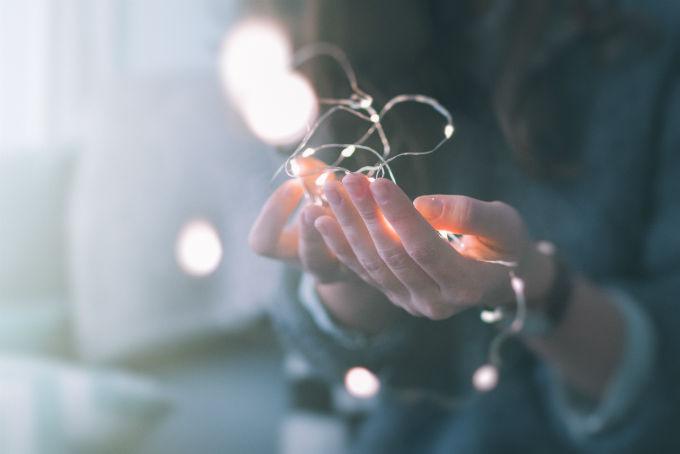 Ich halte meine Hände weit auf – Ein Gedicht von Rahel